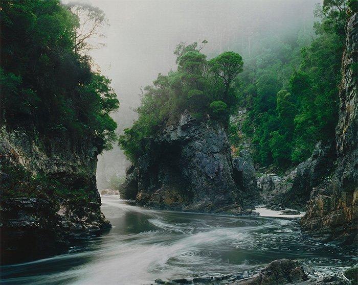 Peter Dombrovskis - Morning Mist [landscape photographers]